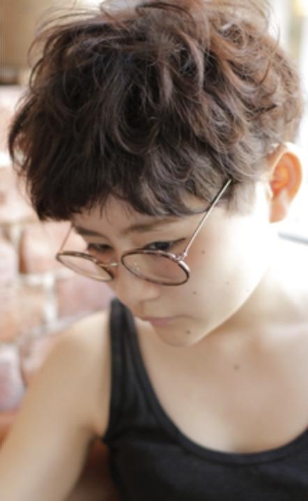 20代30代40代50代ひし形デジタルパーマエアリーミディ黒髪の画像