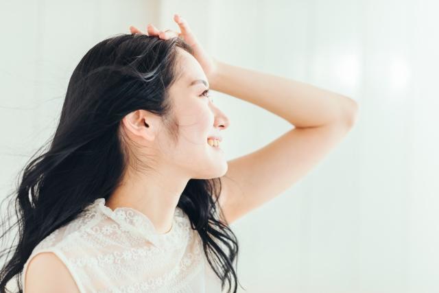 パーマをかけている女性の写真